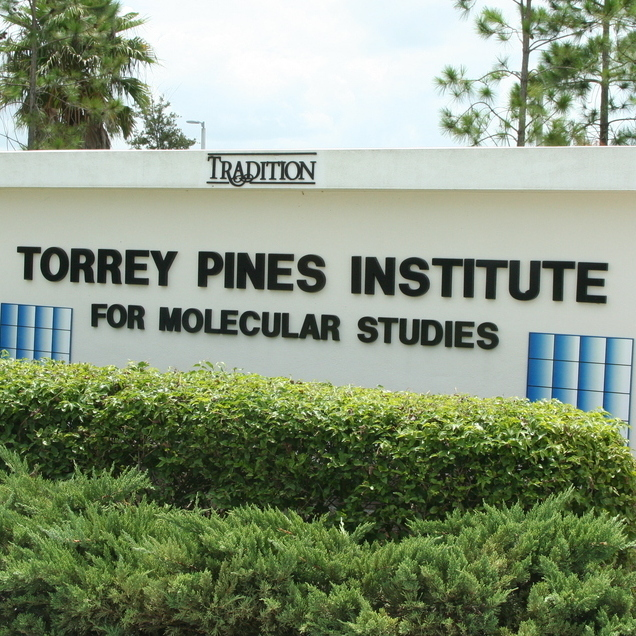 torrey pines sign outside building